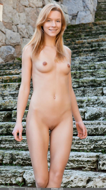 Nude Nicole Kidman