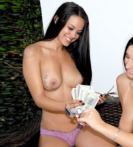 Cuuute Female money talks reporter porn est suite